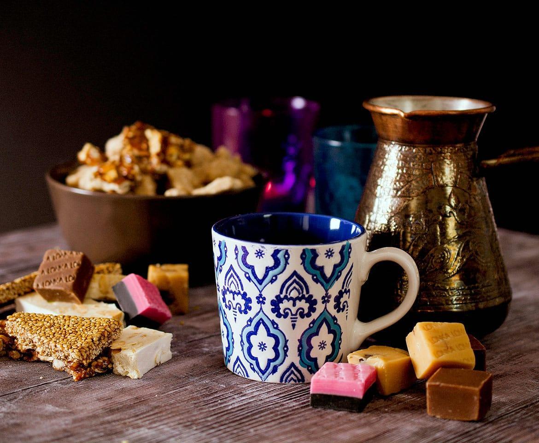 Sladice in kava. Foto za oglas.